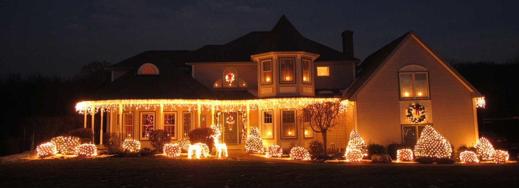 Safety Tips for Hanging Christmas Lights on Your Roof in Greenville