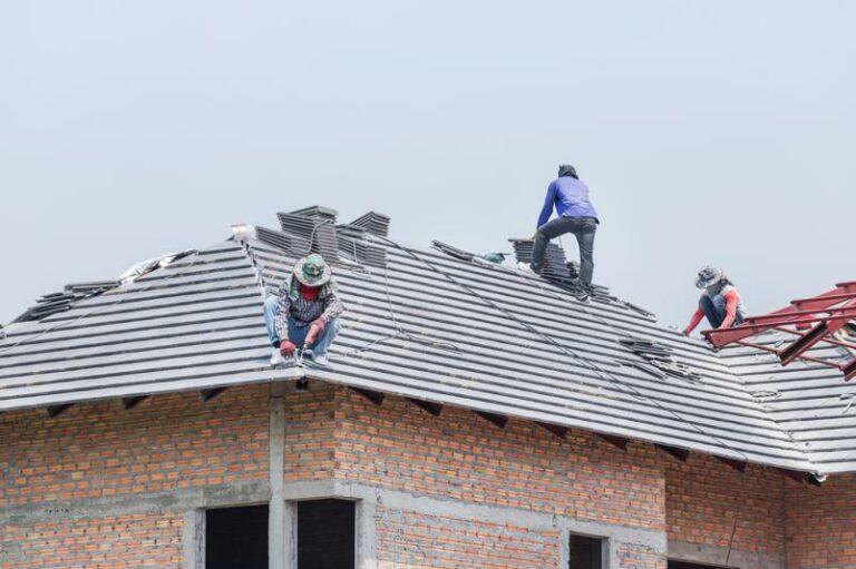 roofing-teamwork